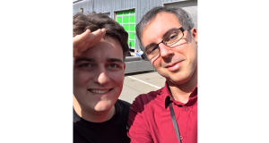 Palmer Luckey (links) mit Manfred Huber (rechts)
